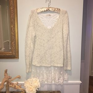 Sweaters - White sweater tunic with lace trim